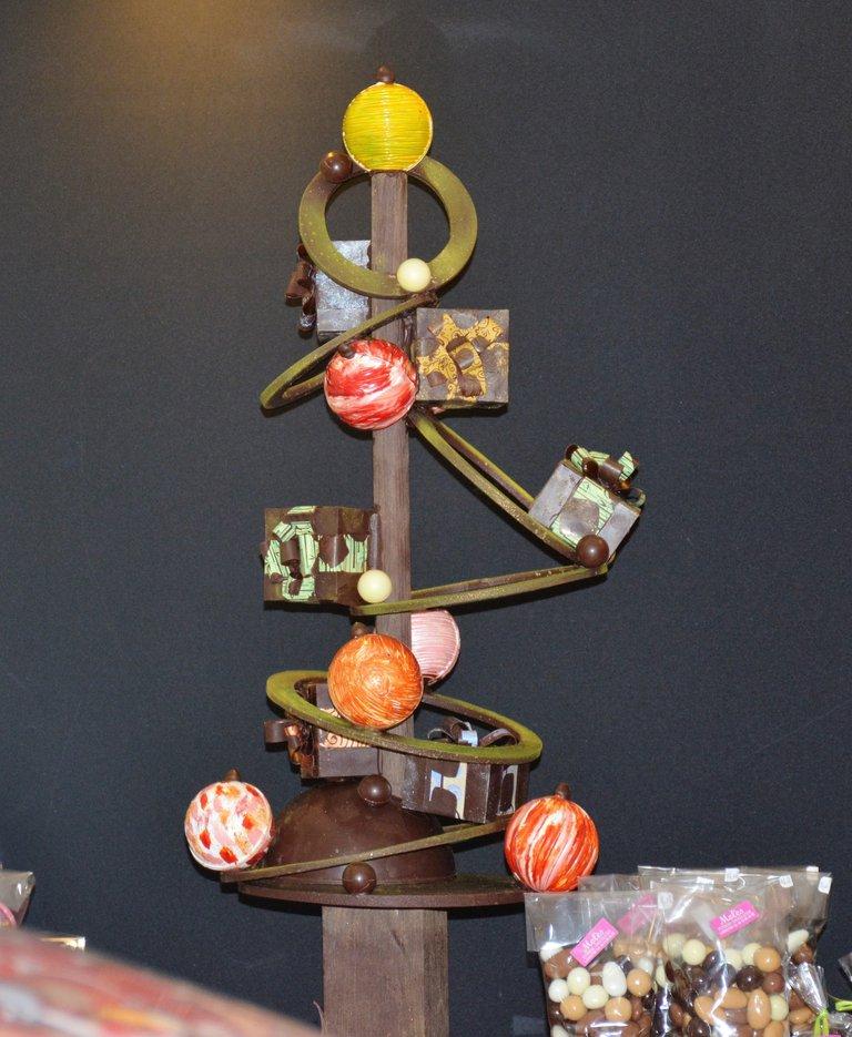 Montage chocolat Molès.JPG