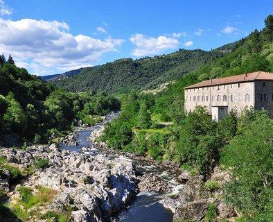 Séjour A vélo, bateau, train vapeur- Itinérance sur les vallées du Rhône et de l'Eyrieux (au départ de La Voulte)