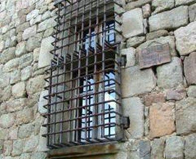 Grille en fer forgé du château